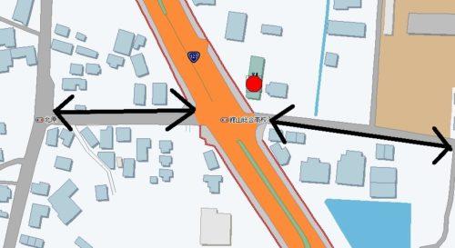 並行道路に挟まれた交差点